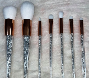 Photos Vivastreet Lot de 7 pinceaux maquillage avec strass brillant