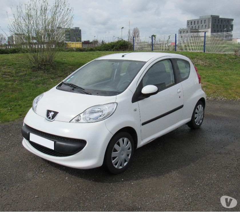 voiture occasion peugeot 107 1 4 hdi trendy 3 portes 94000km nantes 44000. Black Bedroom Furniture Sets. Home Design Ideas