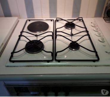Photos Vivastreet vend plaque de cuisson 3 gaz +1 électrique