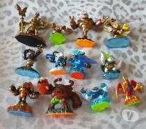 Photos Vivastreet Lot 12 figurines skylanders