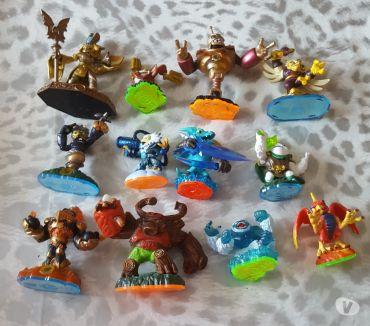 Photos Vivastreet Lot 12 figurines skylanders