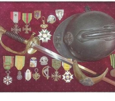 Photos Vivastreet achete médailles militaires, insignes, diplome, uniforme