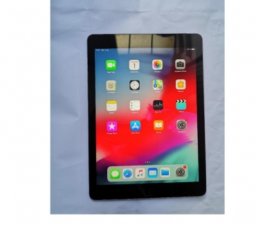 Photos Vivastreet Apple Ipad Air 32 Go Wifi + cellular 4 G (carte sim)
