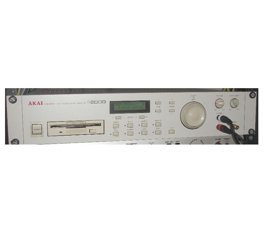 Instruments de musique Bas-Rhin Mommenheim - 67670 - Photos Vivastreet AKAI S2000 - Sampleur stéréo -16 canaux midi