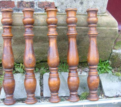 Photos Vivastreet Balustres en bois tourné vernis de 0.51m de hauteur