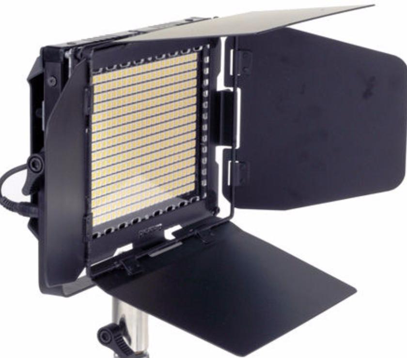 Photos Vivastreet CINEROID PANNEAU LED LM-400 - 3K 5K