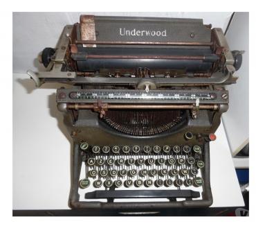 Photos Vivastreet Récupère vieilles machines à écrire, à calculer, balances