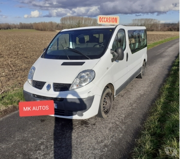 Photos Vivastreet Trafic 9 places 2.0dci 90cv chaine mk AUTOS MARENNES