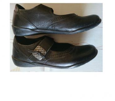 Photos Vivastreet Chaussures cuir femme t37