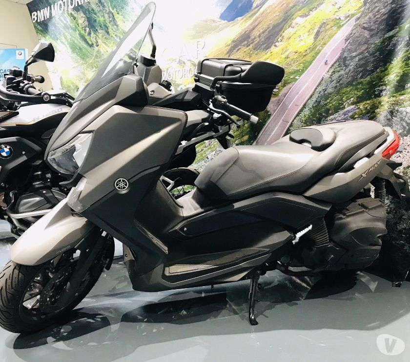 Photos Vivastreet Scooter Yamaha X-MAX abs 2017 xmax400 400 GRIS 9000 KMS