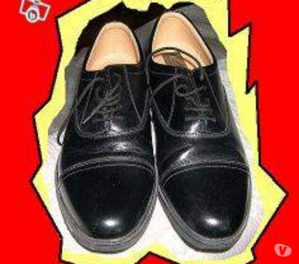 Photos Vivastreet Paire de chaussures de ville noire, pur cuir, taille 45. Neu