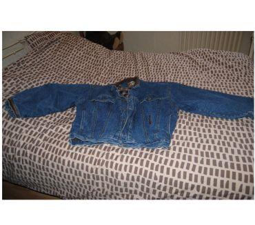 Photos Vivastreet 2 blousons en jeans un pour l hivers
