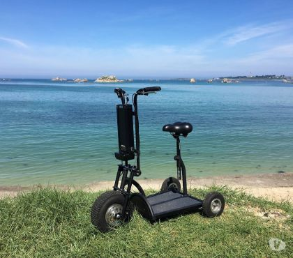 Photos Vivastreet Scooter Trottinette électrique à 3 roues HAPPY SCOOT