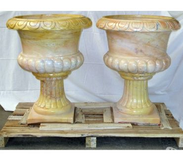 Photos Vivastreet Paire de grands vases en pierre