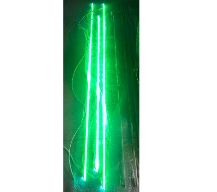Matériel Isère Allevard - 38580 - Photos Vivastreet 2 Lots de tubes néon vert pour commerce