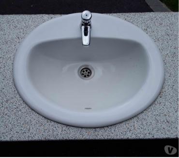 Photos Vivastreet Vasque ovale céramique + robinet arret automatique