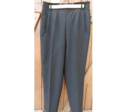 Photos Vivastreet Pantalon noir marque 1-2-3. Beau plombé. très bon état.