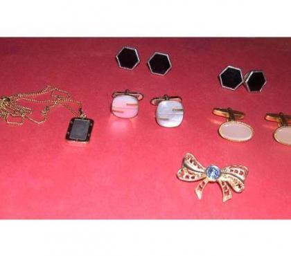 Photos Vivastreet Lot de bijoux anciens des années 60, excellent état