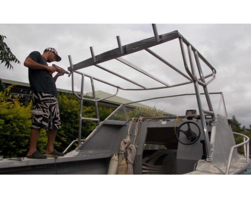 Accessoires bateau Nouvelle-Calédonie Nouméa - 98800 - Photos Vivastreet Fabrication de Bimini toit abris pour votre bateau NOUMEA