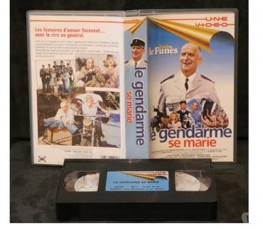 Photos Vivastreet K7 VHS secam film LE GENDARME SE MARIE 85 mn couleur