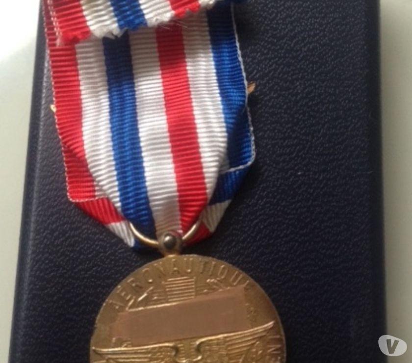 Photos Vivastreet Médaille aéronautique vermeil