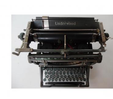 Photos Vivastreet Machine à écrire UNDERWOOD N° de série 847630 - II azerty