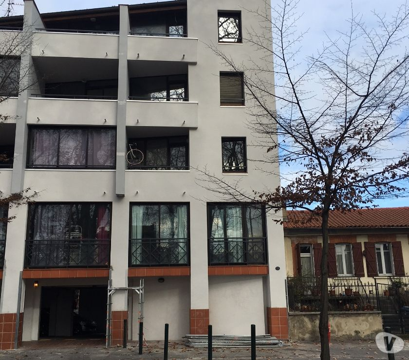 Photos Vivastreet T1 meublé + parking, hypercentre Toulouse, toutes durées