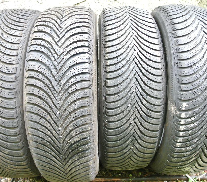 Photos Vivastreet 4 pneus neige Michelin A5 1955520 95H TBE