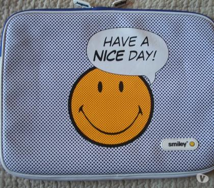 Photos Vivastreet sacoche , etui protection smiley case scenario