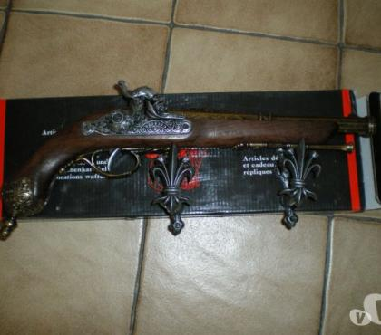 Photos Vivastreet pistolet de décoration (factice)