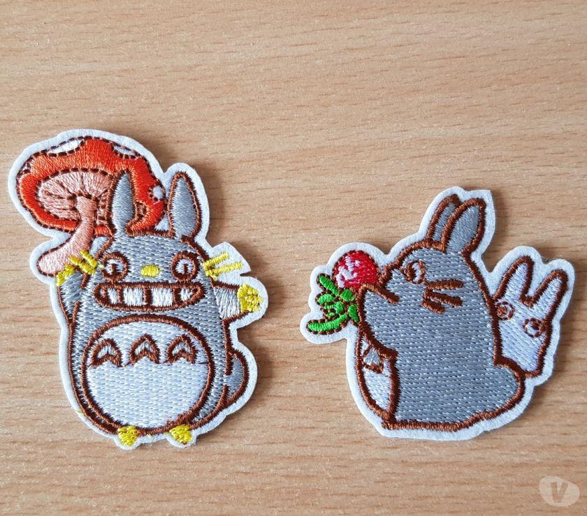Photos Vivastreet ecusson brodé Totoro n°3 6,5x5 cm et 5x5 cm thermocollant