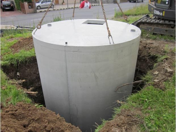 cuve en b ton r cup ration d 39 eau de pluie aulnois sous laon 02000 mat riel pas cher d. Black Bedroom Furniture Sets. Home Design Ideas