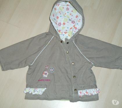 Photos Vivastreet veste légère à capuche taille 6 mois SUCRE D'ORGE