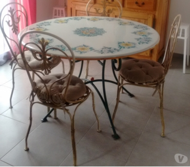 Photos Vivastreet Table lave de Sicile + 4 chaises