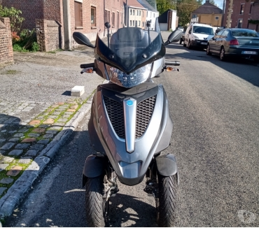Photos Vivastreet Piaggio MP3 yourband LT 300