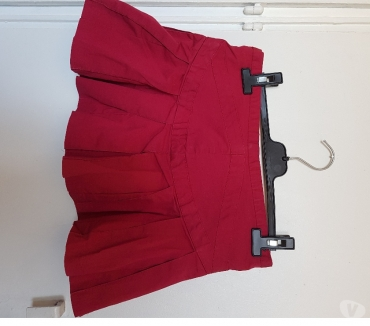 Photos Vivastreet Mini-jupe BCBC T2 rouge 97% coton 3% Spandex BE