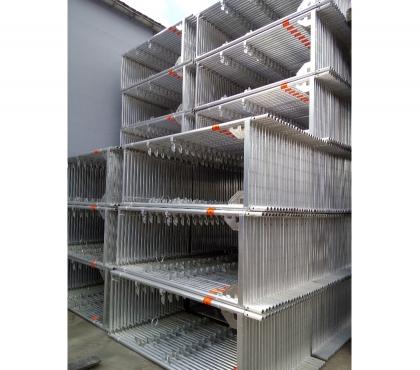 Photos Vivastreet 350m² d'échafaudage de façade Layher avec cadres alu neufs