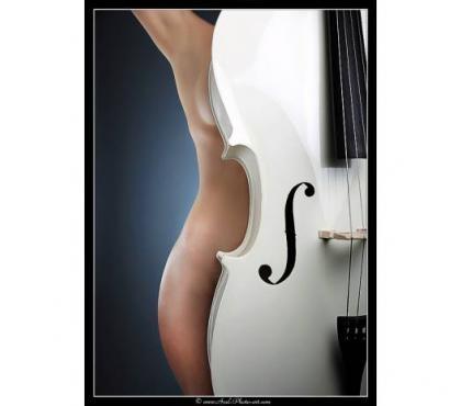 Photos Vivastreet Cherche modèle photo pour série artistique sur la musique
