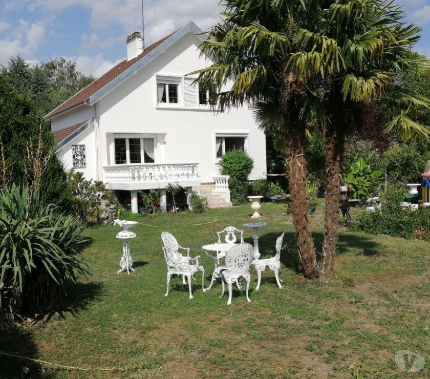 Vente Maison Val-d'Oise Bernes sur Oise - 95340 - Photos Vivastreet DANS SON PARC DE VERDURE + 180M2 HAB.SUR TERRAIN DE 4877M2