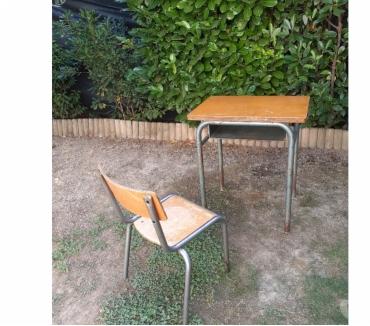 Photos Vivastreet Bureau d'écolier et sa chaise en métal - années 50-60