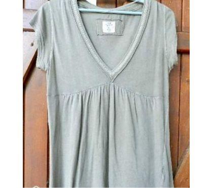 Photos Vivastreet Tee shirt logg col V Marque H et S Logg Col V. Taille L