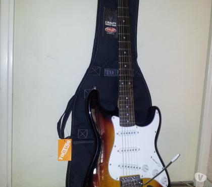 Photos Vivastreet Guitare electrique stagg neuve style strato avec housse