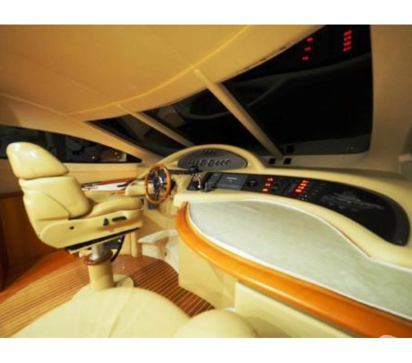 Photos Vivastreet Azimut Az 62 Evolution 2009 Fly moteurs Caterpillar 3 cabine