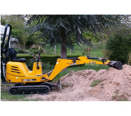 Photos Vivastreet Location Mini Pelle JCB 8010 CTS + 3 Godets attache rapide
