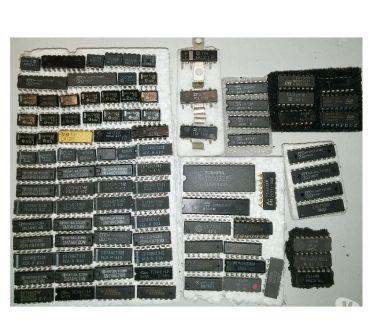 Photos Vivastreet LOT de 100 circuits intégrés RADIO-CB et autres