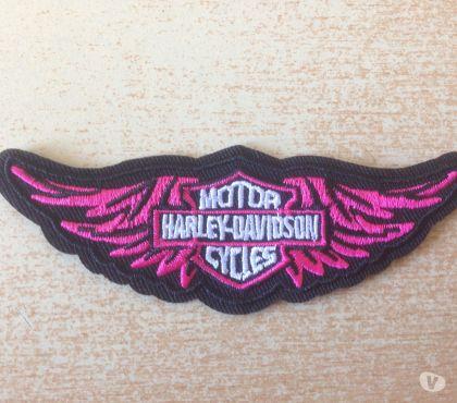 Photos Vivastreet écusson harley lady biker ailes rose 10x3,5 cm