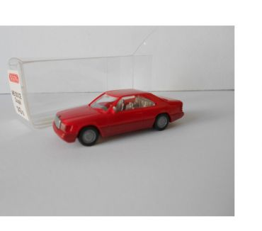 Photos Vivastreet HO 187 WIKING MERCEDES COUPE 300 CE ROUGE NEUF