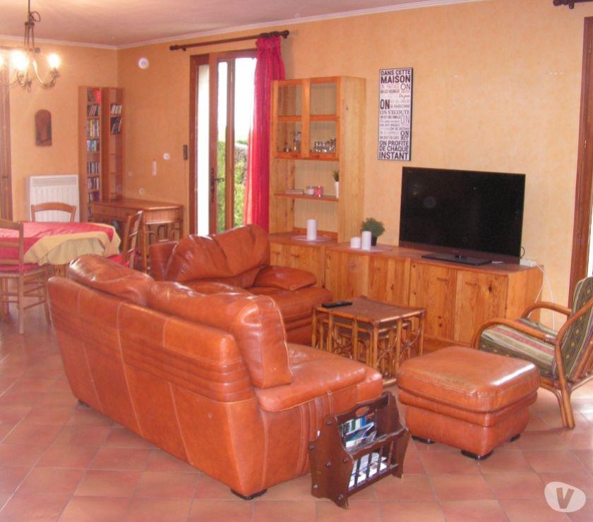 location de vacances greoux les bains 04800 location saisonniere rare villa avec jardin. Black Bedroom Furniture Sets. Home Design Ideas