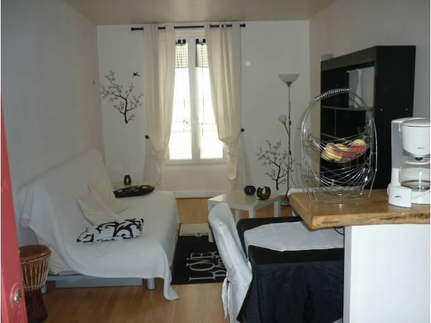 Appartement meublé Charente-Maritime La Rochelle - 17000 - Photos Vivastreet STUDIO étudiant 20 m² LA ROCHELLE HYPERCENTRE rentrée 2016