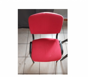 Photos Vivastreet URGENT chaise rouges 12€